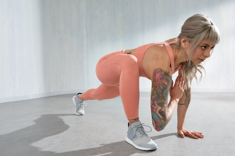 Build stronger glutes and a stronger core with Tonal's Strong Core, Glutes Galore workout.